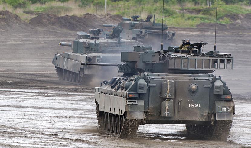 煙を立てる戦車